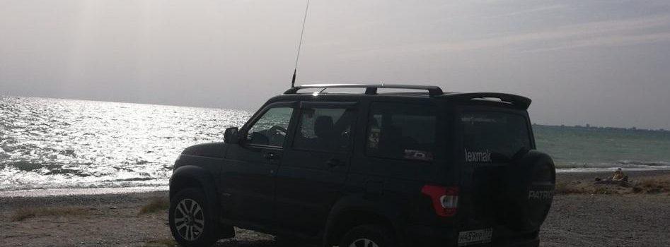 УАЗ на берегу